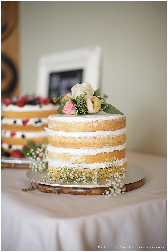 Wedding cakes, photo by Kristie Robin